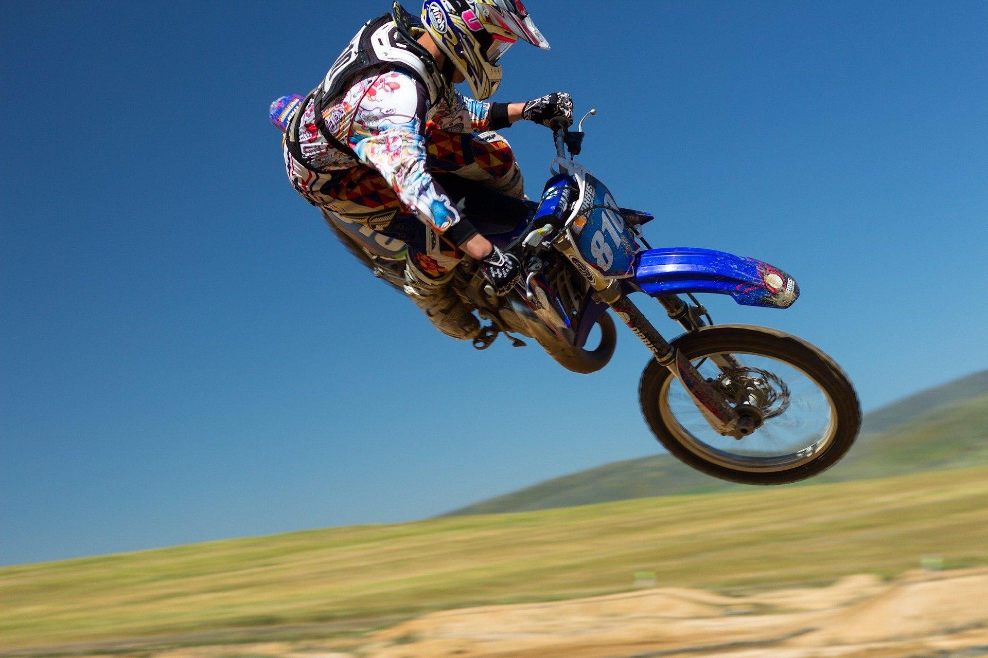 dirt-bike-690770_1920